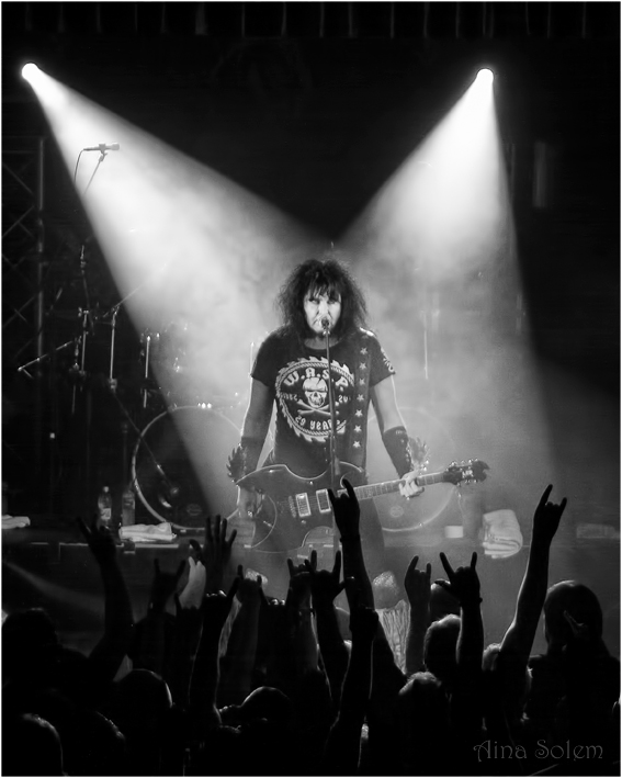 Blackie Lawless wasp W.A.S.P. concert live